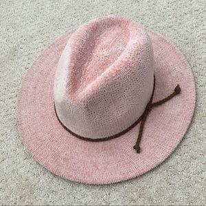 Accessories - Velvety pink wide brimmed hat